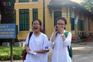 Hà Nội: 97,6% học sinh đỗ tốt nghiệp, 2 thí sinh bị điểm 0 môn Ngữ văn
