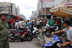 Lửa bao trùm kèm tiếng hét thất thanh trong quán cơm trên đường Phạm Văn Bạch
