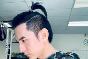 Đan Trường gây bất ngờ khi để 'tóc đuôi gà'