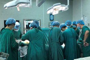 Cứu sống bệnh nhân bị phình động mạch não nhờ kỹ thuật cầu nối áp lực cao