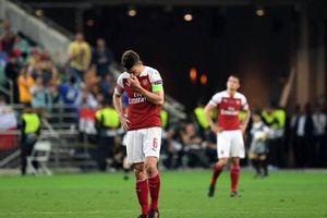 HLV Unai Emery của Arsenal thừa nhận bó tay với Laurent Koscielny