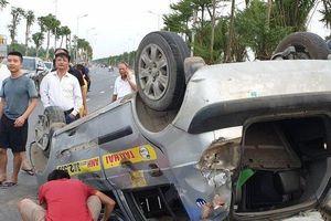 Tài xế lái xe Ford EcoSport lạng lách, gây tai nạn liên hoàn rồi bỏ trốn