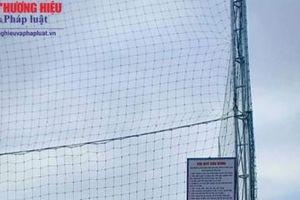 Nghệ An: Trường' THPT Thanh Chương 3 tự ý hợp tác xẻ sân vận động nhà trường để xây dựng sân cỏ nhân tạo là trái luật'