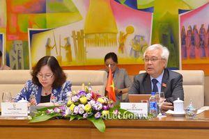 Chủ nhiệm Ủy ban văn hóa, Giáo dục, Thanh niên, Thiếu niên và Nhi đồng tiếp và làm việc với Nhóm Nghị sỹ hữu nghị pháp-việt
