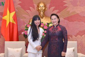 Chủ tịch Quốc hội tiếp Nhóm Nghị sĩ hữu nghị Pháp-Việt Nam