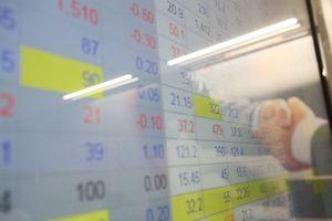 Lãi suất tăng, chọn gửi tiết kiệm hay đầu tư vào chứng khoán?