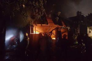 Hà Nội: Cháy lớn tại xưởng nhựa ở đường Tân Mai