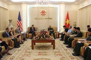 Việt Nam-Hoa Kỳ đẩy mạnh hoạt động khắc phục hậu quả chiến tranh