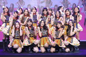 Nhóm nhạc Việt SG048 theo mô hình Nhật Bản với 27 thành viên ra mắt album mới