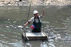 Cuốn bay kết quả thử nghiệm làm sạch sông Tô Lịch, đâu phải lần đầu