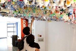 Cận cảnh tác phẩm nghệ thuật làm từ 500 kg rác thải vô cơ