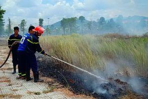 Đà Nẵng: Cháy trước trụ sở UBND quận Liên Chiểu