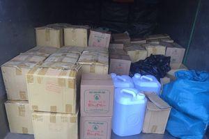 Bắc Kạn: thu giữ gần 1.000 lít rượu thủ công không dán tem thuế