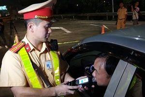 Sau 3 ngày tổng kiểm tra lái xe: Phạt gần 900 tài xế vi phạm