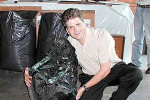 Ngắm khối ngọc lục bảo 'khổng lồ' nặng 381kg