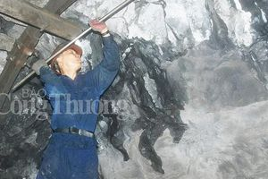 Đề nghị giữ nguyên tuổi nghỉ hưu đối với người lao động khai thác than hầm lò