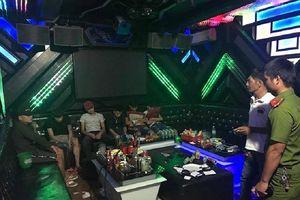 47 nam nữ dương tính với ma túy trong quán karaoke ở Huế