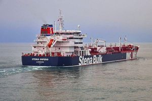 Tehran: Tàu chở dầu Anh bị bắt giữ vì đã đâm tàu cá của Iran