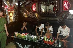 Bí mật trong quán karaoke Quỳnh Hương lúc rạng sáng
