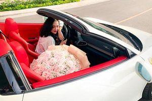 Hot girl Sài Gòn tậu siêu xe Ferrari 458 Spider biển Lào