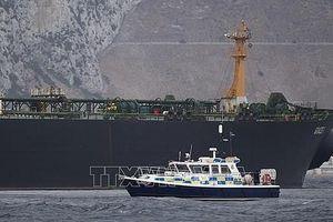 Iran: Tàu Anh va chạm với một tàu đánh cá trước khi bị bắt, phớt lờ tín hiệu xin hỗ trợ