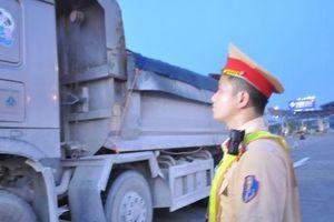 Phát hiện lái xe tải dùng ma túy đá trên cao tốc Nội Bài - Lào Cai