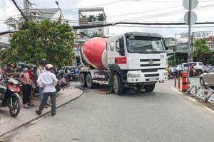 Xe trộn bê tông chạy giờ cấm, đâm nữ sinh 19 tuổi đi xe máy tử vong