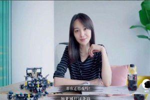 Sau khi nói 'muốn bỏ đóng phim để làm hotgirl mạng', Trịnh Sảng lại đăng status