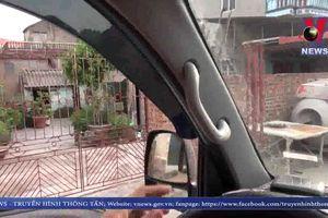 Hải Dương: Người dân tự ý lập barie, thu tiền trái phép khi xe tải vào thôn