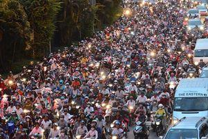 Giám đốc Công an TP.HCM: Chỉ thiếu cảnh xe máy leo nóc ôtô khi ùn tắc