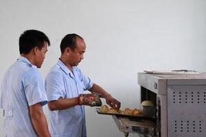 Bài 3: Bếp dã chiến mang tinh thần người Việt sang Nga