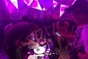 Kiểm tra karaoke ở Huế, phát hiện 47 nam nữ 'chơi' ma túy