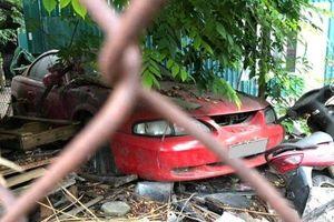 Loạt xe sang tiền tỉ tại Hà Nội bị bỏ rơi, bơ vơ chờ chủ đón