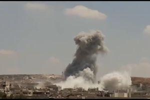 Khoảnh khắc Nga dội mưa bom hủy diệt đoàn xe phiến quân ở Syria
