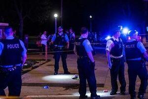 Xả súng liên tiếp trong đêm tại Chicago gây nhiều thương vong