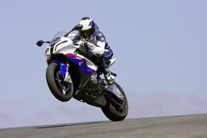 BMW S1000RR, Kawasaki H2 và những siêu môtô mang tính biểu tượng