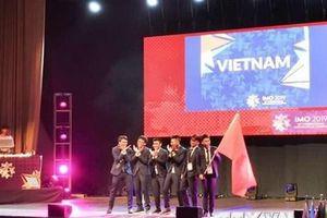 Chủ tịch Hội đồng IMO ca ngợi mô hình đào tạo Toán học của Việt Nam