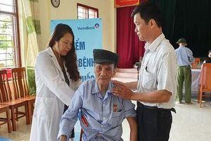 Bệnh viện Bạch Mai tổ chức khám, chữa bệnh tri ân đối tượng chính sách