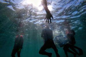 Người trẻ Đà Nẵng hào hứng với thử thách… lặn biển nhặt rác, giải cứu san hô