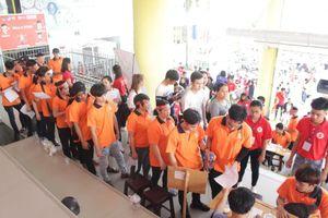 Đông đảo công nhân tham gia hiến máu tại Hành trình Đỏ 2019