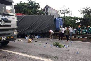 Video ghi cảnh xe tải lật đè chết 5 người ở Hải Dương