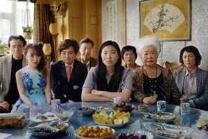 'The Farewell': câu chuyện tình thân cười ra nước mắt về một gia đình