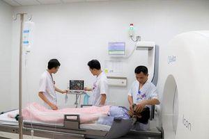 Bệnh viện K điều trị u não bằng máy Gamma Knife thế hệ mới