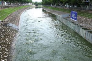Xả nước từ hồ Tây vào sông Tô Lịch tuân thủ đúng quy định