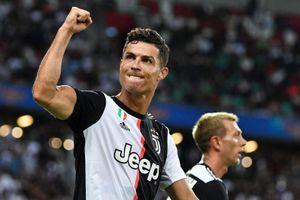 HLV Sarri: 'Các cầu thủ phải tập thích nghi với Ronaldo'
