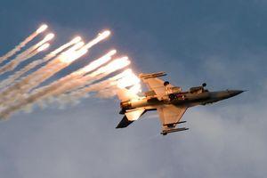 Máy bay Hàn bắn 360 phát đạn và cuộc đối đầu căng thẳng giữa 4 nước