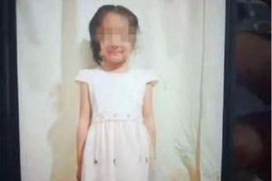 Sợ bố mẹ la mắng vì để em ngã, anh họ dùng gậy đánh cô bé 6 tuổi đến tử vong