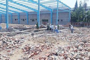 Vụ sập tường làm 7 người chết ở Vĩnh Long: Vẫn chưa có kết quả giám định