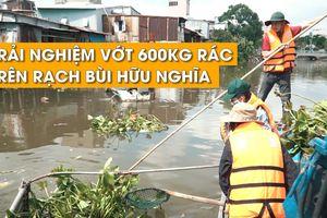 Phóng viên Thanh Niên trải nghiệm vớt rác trên kênh Nhiêu Lộc - Thị Nghè