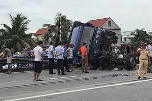 Tạm giữ tài xế xe tải gây tai nạn thảm khốc ở Hải Dương
